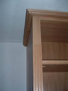 Fluted detail on bookcase