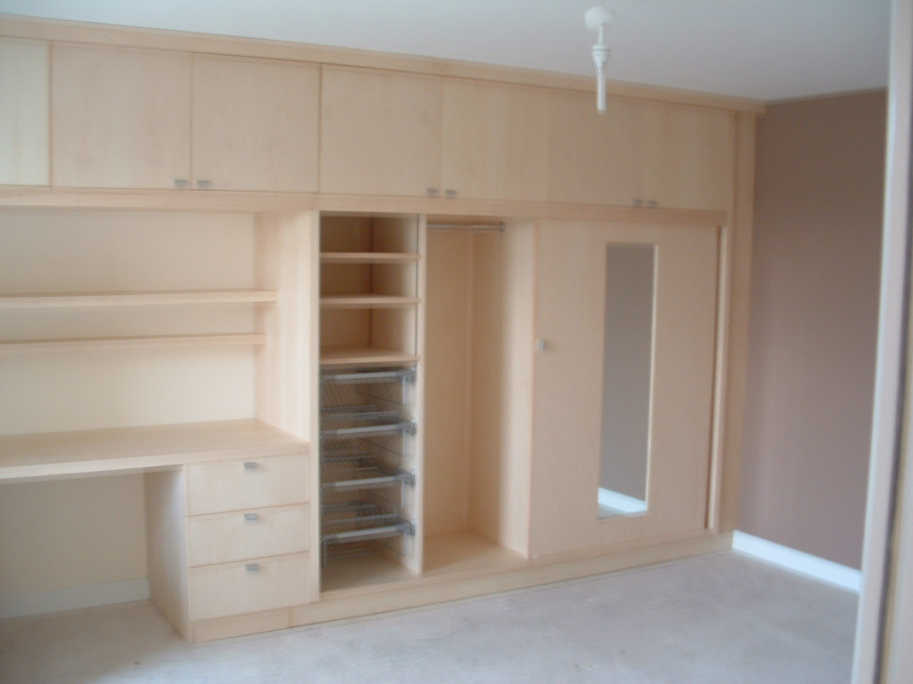 Very Best Bedroom Furniture with Desk 1280 x 960 · 336 kB · jpeg